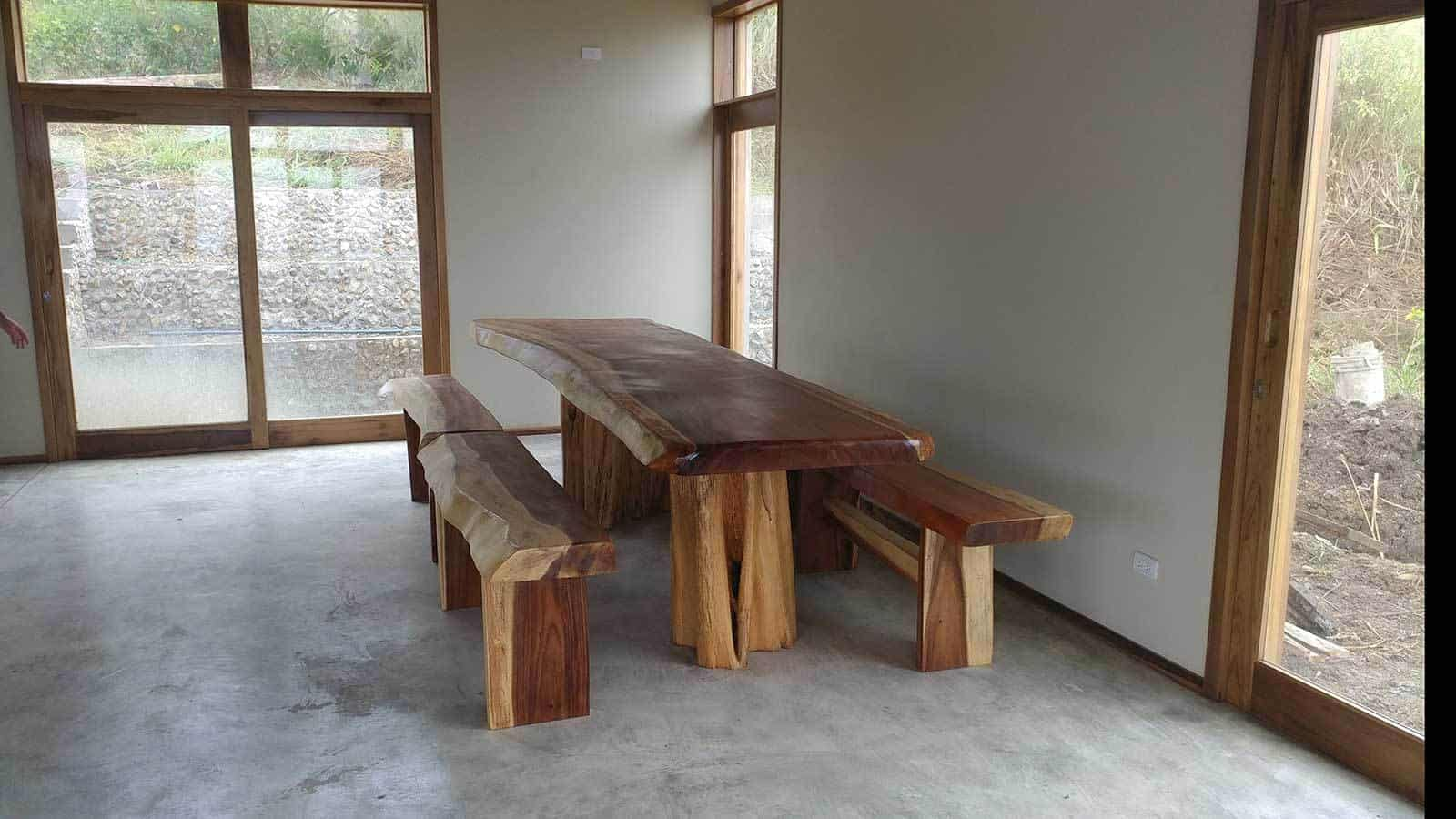 ayampe-ocean-view-house-dining-table--1600x900