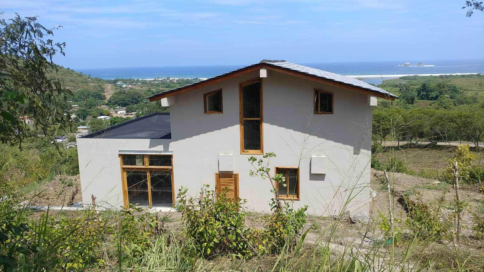 ayampe-ocean-view-house-exterior-rear-02--1600x900