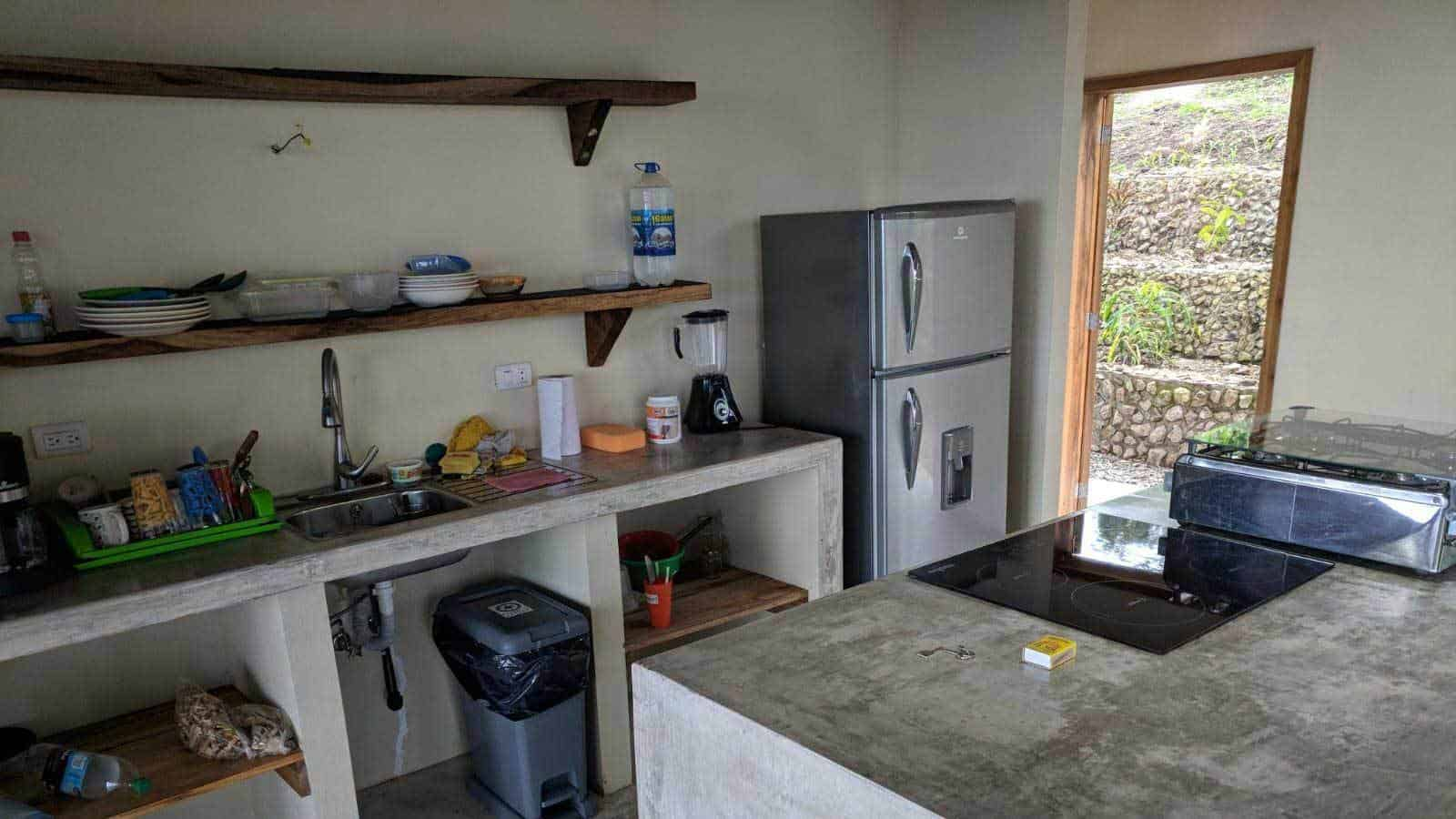 ayampe-ocean-view-house-kitchen-01--1600x900
